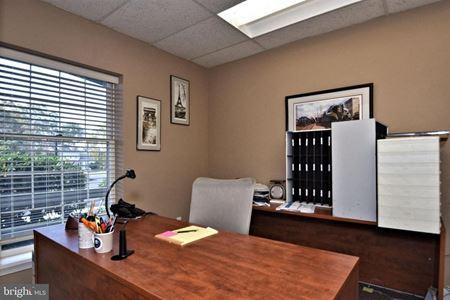 Flex / Office Space - 1200 SF (Buckingham Commons) - Furlong