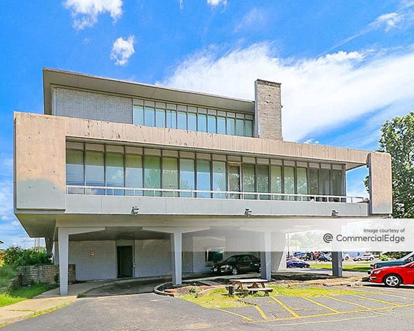 Cross County Corporate Center