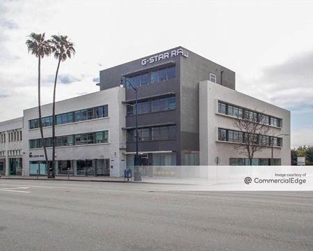 8820 Wilshire Blvd - Beverly Hills