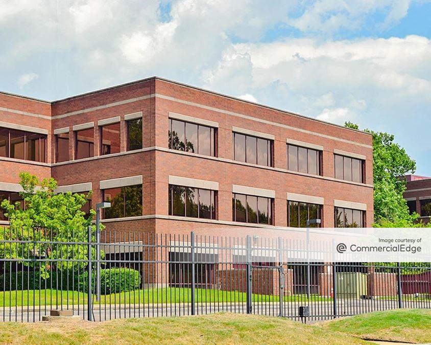 Corporate Plaza - 2005 Corporate Avenue