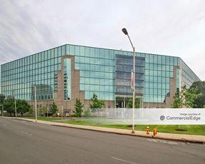 BLT Financial Center - 200 Elm Street