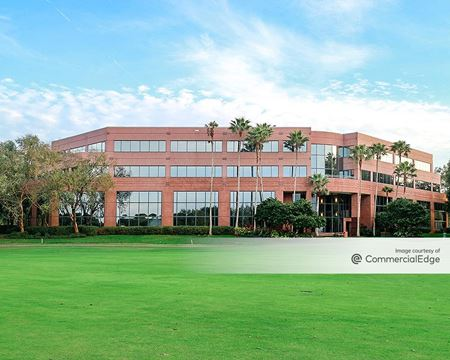 Heathrow International Business Center - 300 International Pkwy - Lake Mary