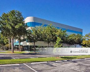 Claire's Corporate Plaza - Pembroke Pines