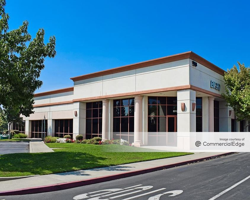 Stanford Ranch Office Plaza