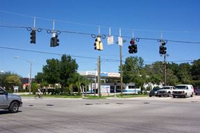 Wickham & Sarno Roads High Traffic Lighted Intersection