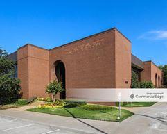 4880 South Lewis Avenue - Tulsa