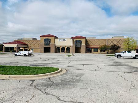 Oak Valley Shopping Center - Shawnee