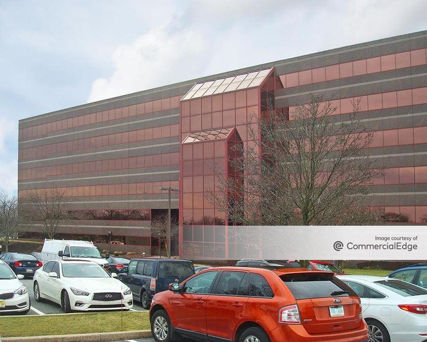 Roma Corporate Center