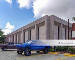 8945 Long Point Road - Houston