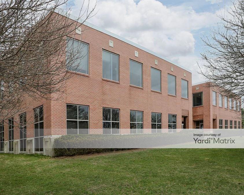 Sharon Commerce Center
