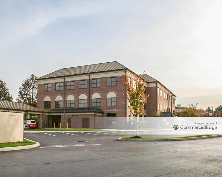 Rossmoyne Business Center - 5000 Louise Drive