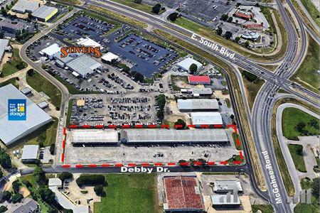 LeCroy Shopping Village - Montgomery