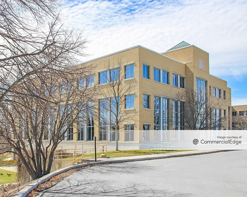 Riverwood Corporate Center - N17 W24300 Riverwood Drive