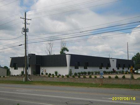 Twin Maples Plaza - Evansville