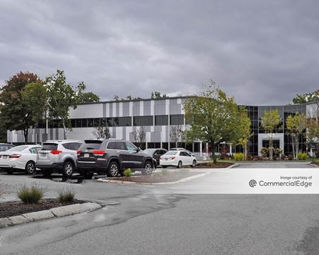 Hobbs Brook Office Park - 101 Edgewater Drive - Wakefield