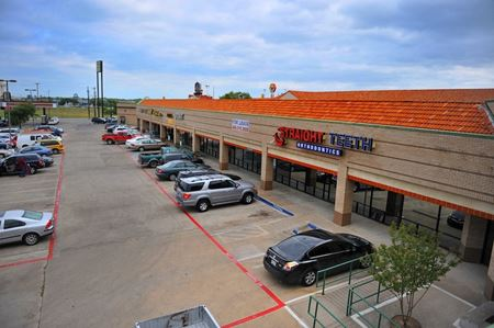 Esters Plaza - Irving