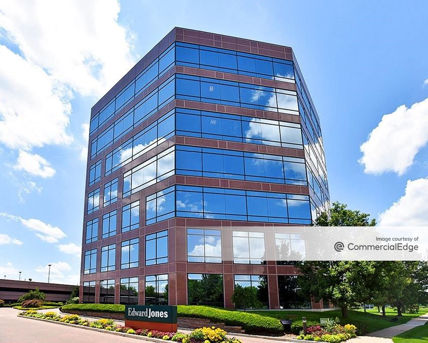 Manchester/270 Office Center - Building III