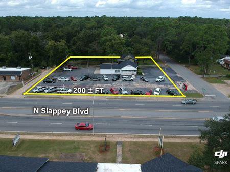 1307 N Slappey Blvd - Albany