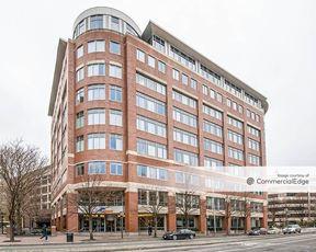 Kendall Center - 150 Broadway