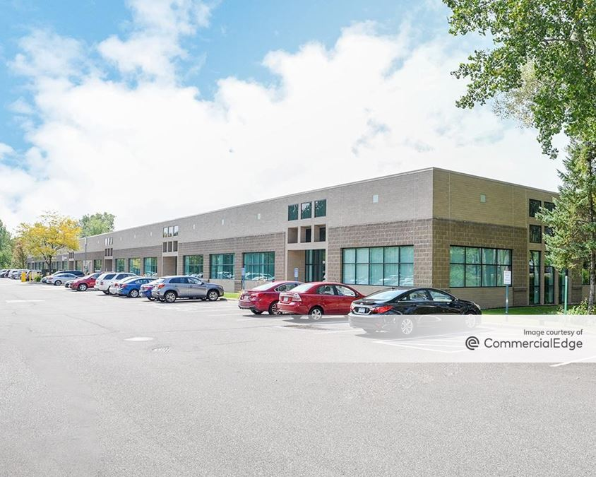 Prairie Oaks Corporate Center