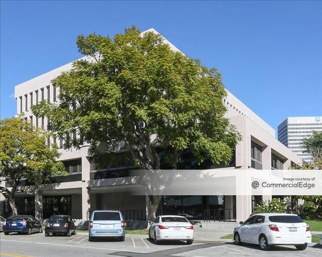 Carthay Campus - 6330 San Vicente