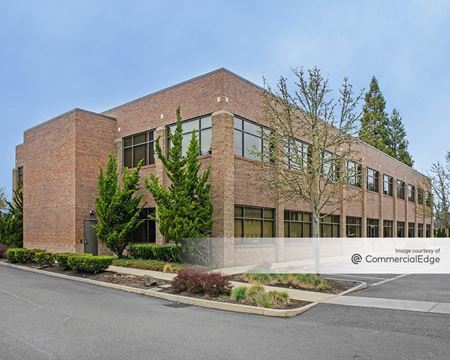 920 Country Club Road - Eugene