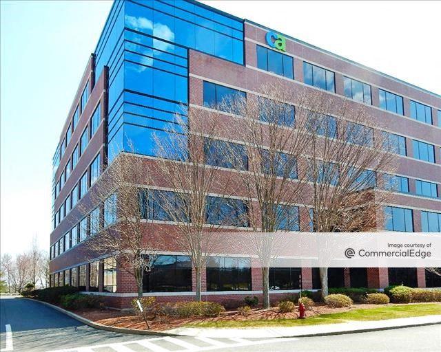 9/90 Corporate Center - 100 Staples Drive