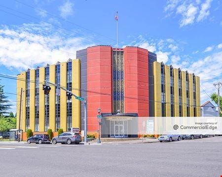 Sandy Plaza Building - Portland