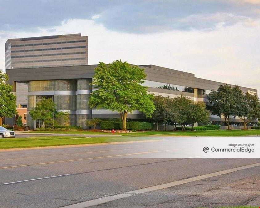 Venture Plaza