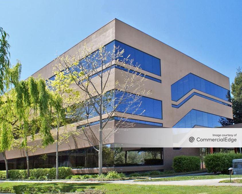 Redwood Business Park - Sequoia Center - 1420 North McDowell Blvd