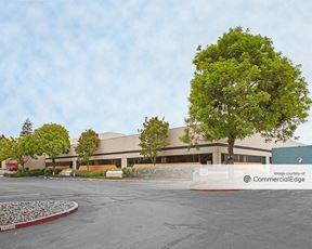 415 Oakmead Pkwy - Sunnyvale