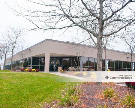 400 Cabot Drive - Hamilton Township