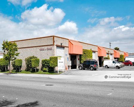 2140 1/2 West 139th Street & 13966-13998 Van Ness Avenue - Gardena