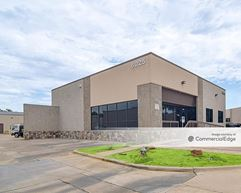 2900 Gateway Drive & 6025 Commerce Drive - Irving