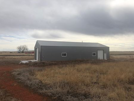 2,592 Sq Ft Shop On 10 Acres - Watford City