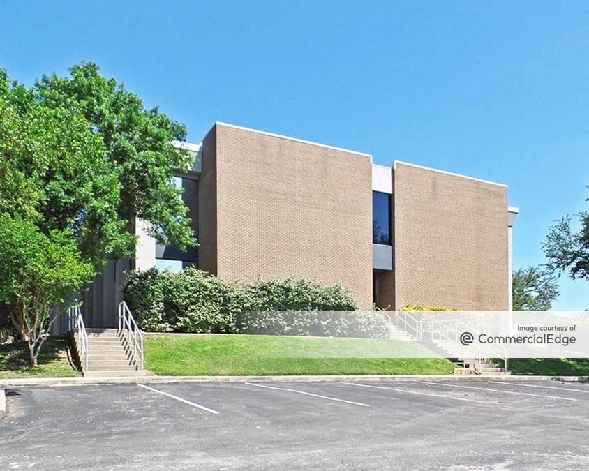 Centerview Crossing Office Park - Sabine Building