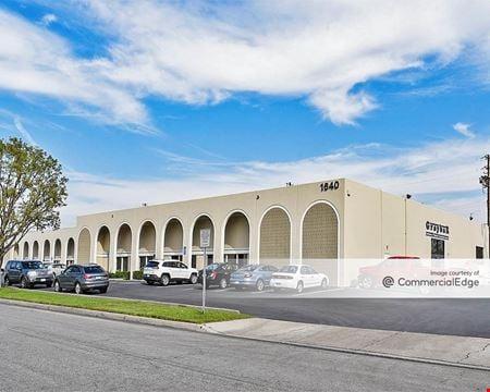 Stadium Plaza Business Park - Buildings 9 & 17-30 - Anaheim