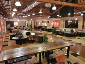 Prime Furnished Coworking Spaces With Many Amenities Included In Ravenswood - Chicago