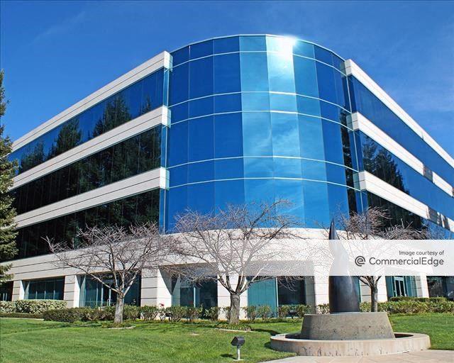 Gateway Center - 500 East Middlefield Road