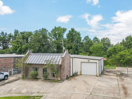 Industriplex Office/Warehouse with Fenced Yard - Baton Rouge