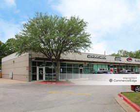 Southcross Plaza - Austin
