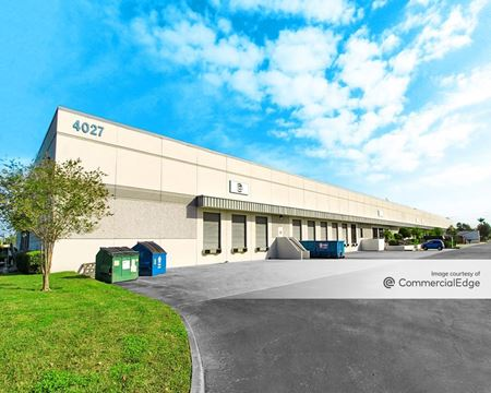 580 Corporate Center - 4023 & 4027 Tampa Road - Oldsmar