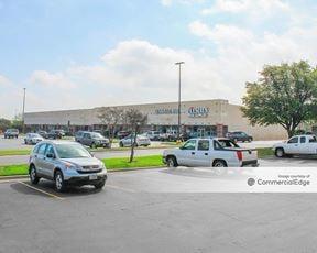 Boardwalk Shopping Center - Round Rock