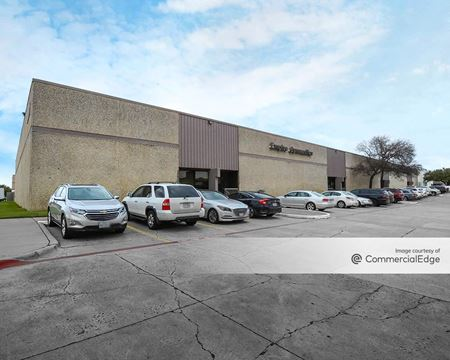 2001 Reliance Pkwy & 3717 Commerce Place - Bedford