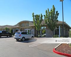 Blue Oaks Plaza - Roseville