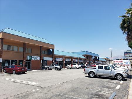 De Soto Plaza Center - Canoga Park