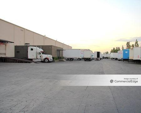 Voit La Miranda Distribution Center - La Mirada