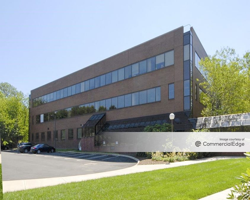 Crown Corporate Campus - 472 Wheelers Farms Road