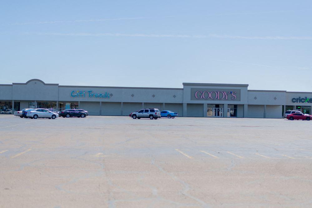 Clarksdale Shopping Center
