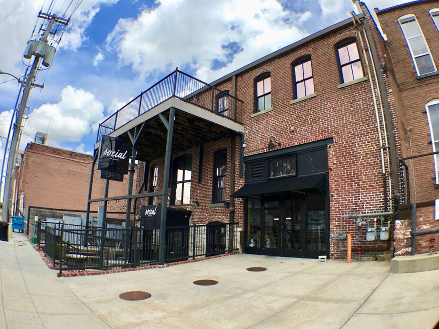 Restaurant/Bar/Event Space Available in Downtown Springfield